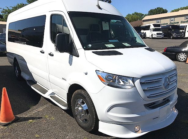 Mercedes Benz Sprinter by Midwest